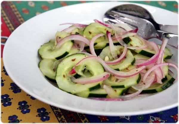 salade de concombre pour 4 personnes recette de salade com. Black Bedroom Furniture Sets. Home Design Ideas