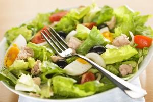 salade de crudités niçoise au thon