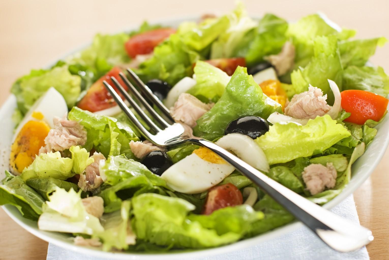 Salade niçoise au thon pour 4 personnes